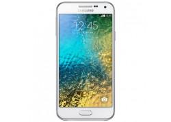 Samsung Galaxy E5 16GB Beyaz Akıllı Telefon
